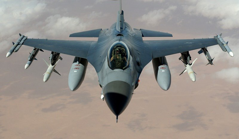 F-16 Fighting Falcon (США)